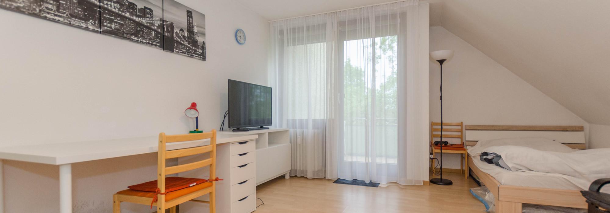 Möblierte Wohnung Stuttgart im DG mit Balkon
