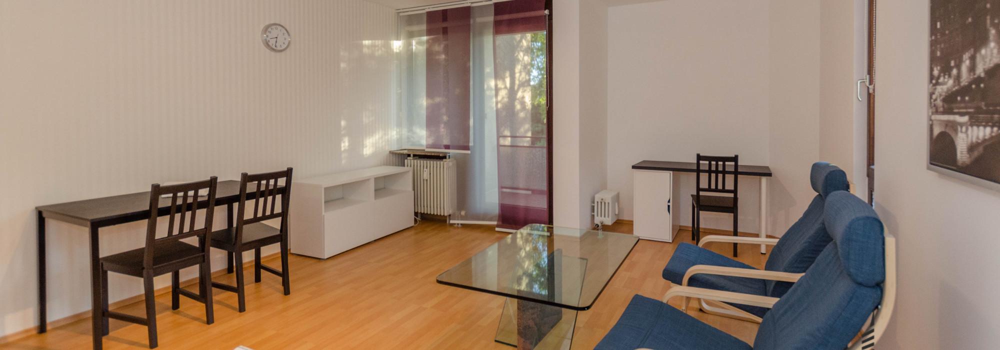 Geräumige 1-Zi. Wohnung im 1. OG mit Balkon