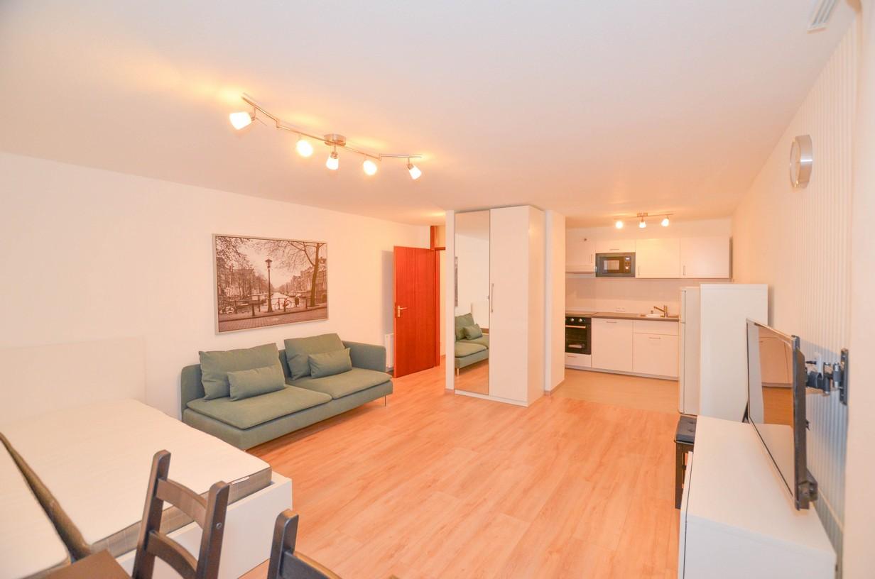 Exklusive, geräumige und neuwertige 1-Zimmer-Wohnung mit Balkon und EBK in Ludwigsburg